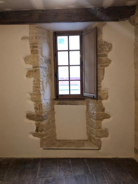 Création d'ouverture dans un mur en pierres